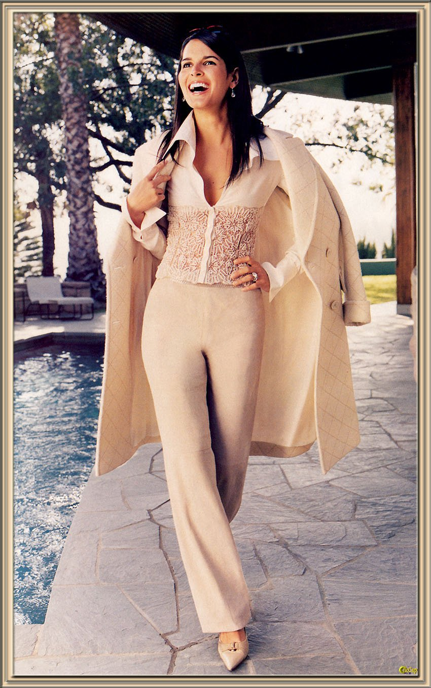 Angie Harmon leaked wallpapers