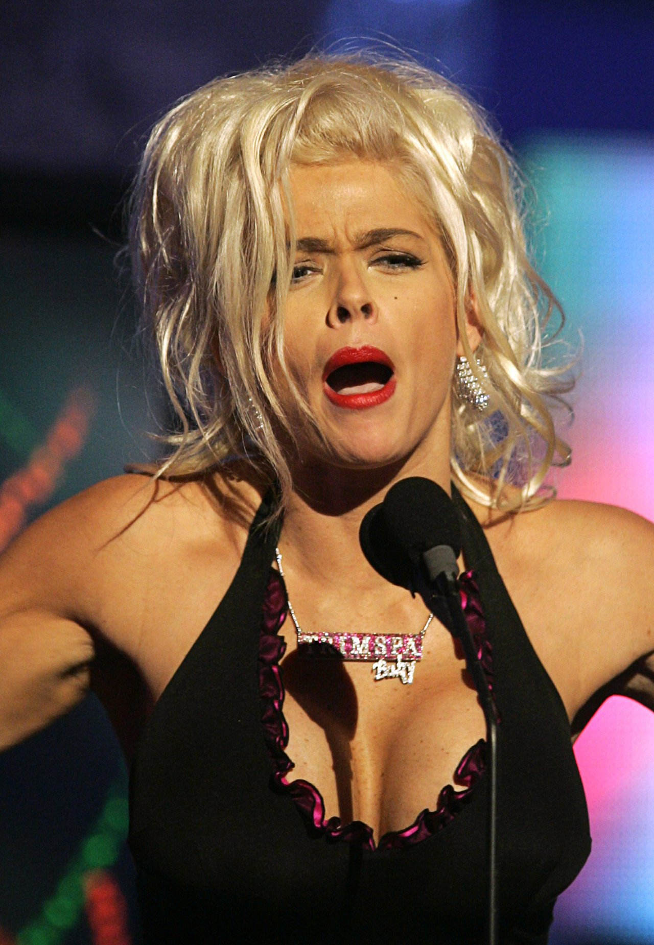 Anna Nicole Smith leaked wallpapers