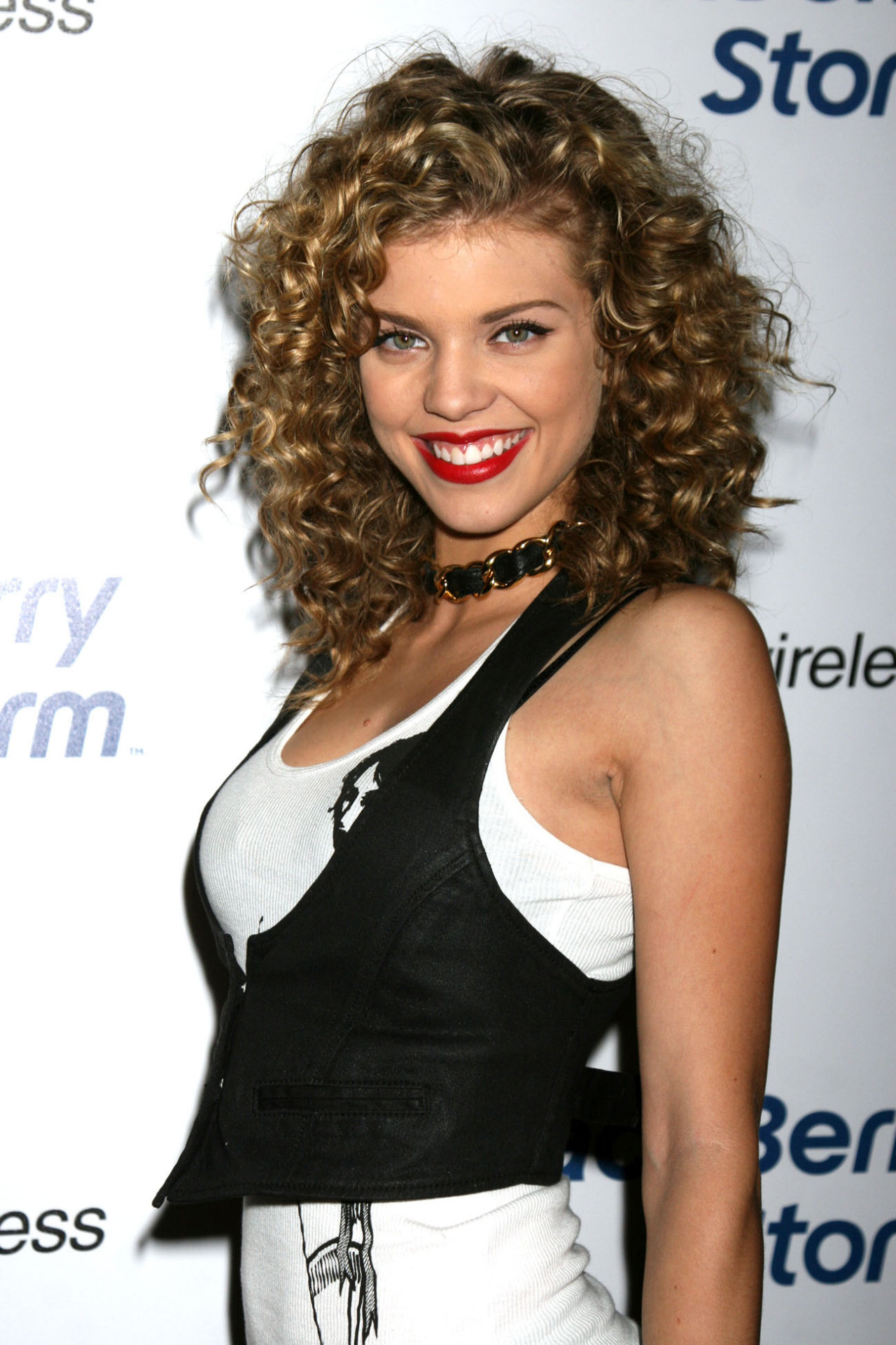 AnnaLynne McCord leaked wallpapers