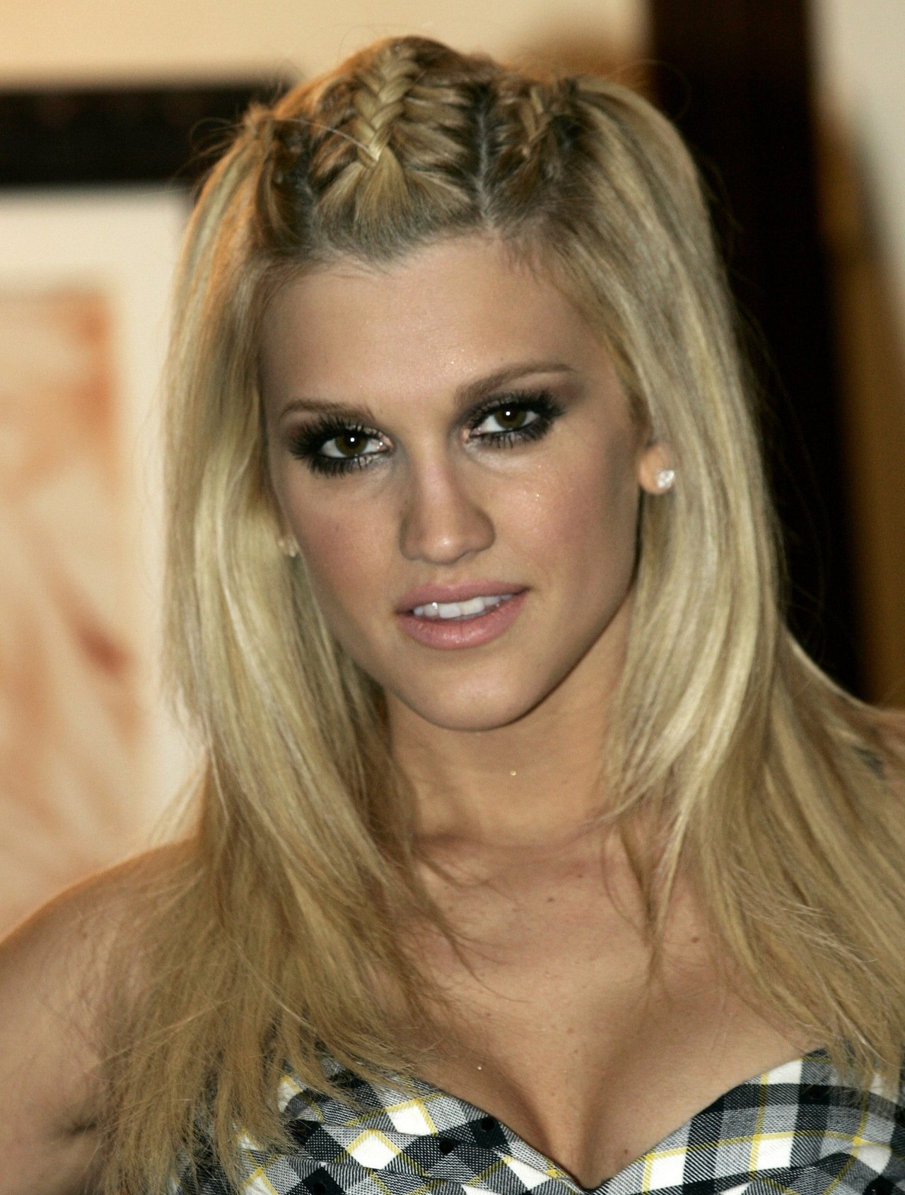 Ashley Roberts leaked wallpapers