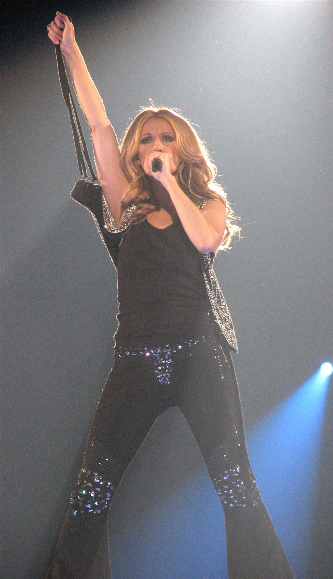 Celine Dion leaked wallpapers