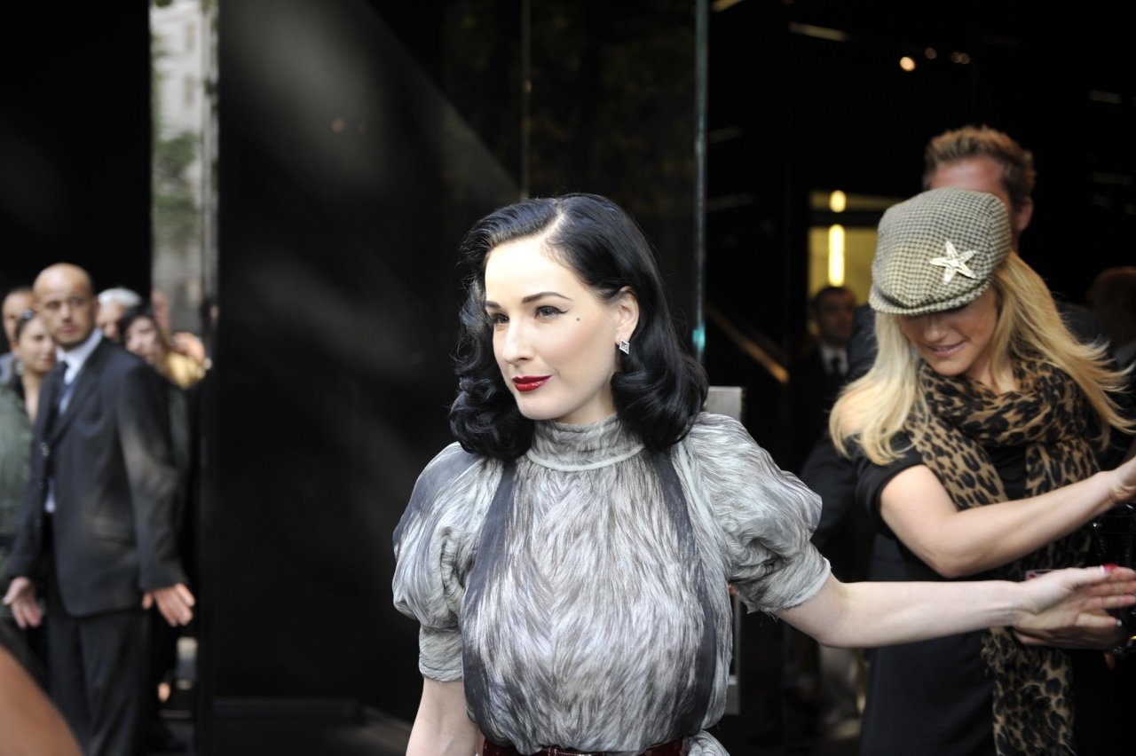 Dita von Teese leaked wallpapers