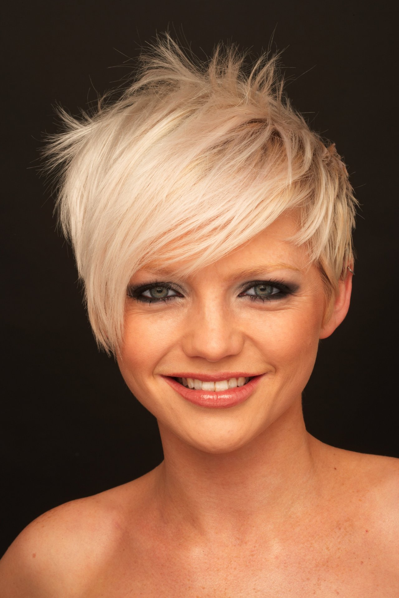 Hannah Spearritt Net Worth, Bio & Body Measurements ...