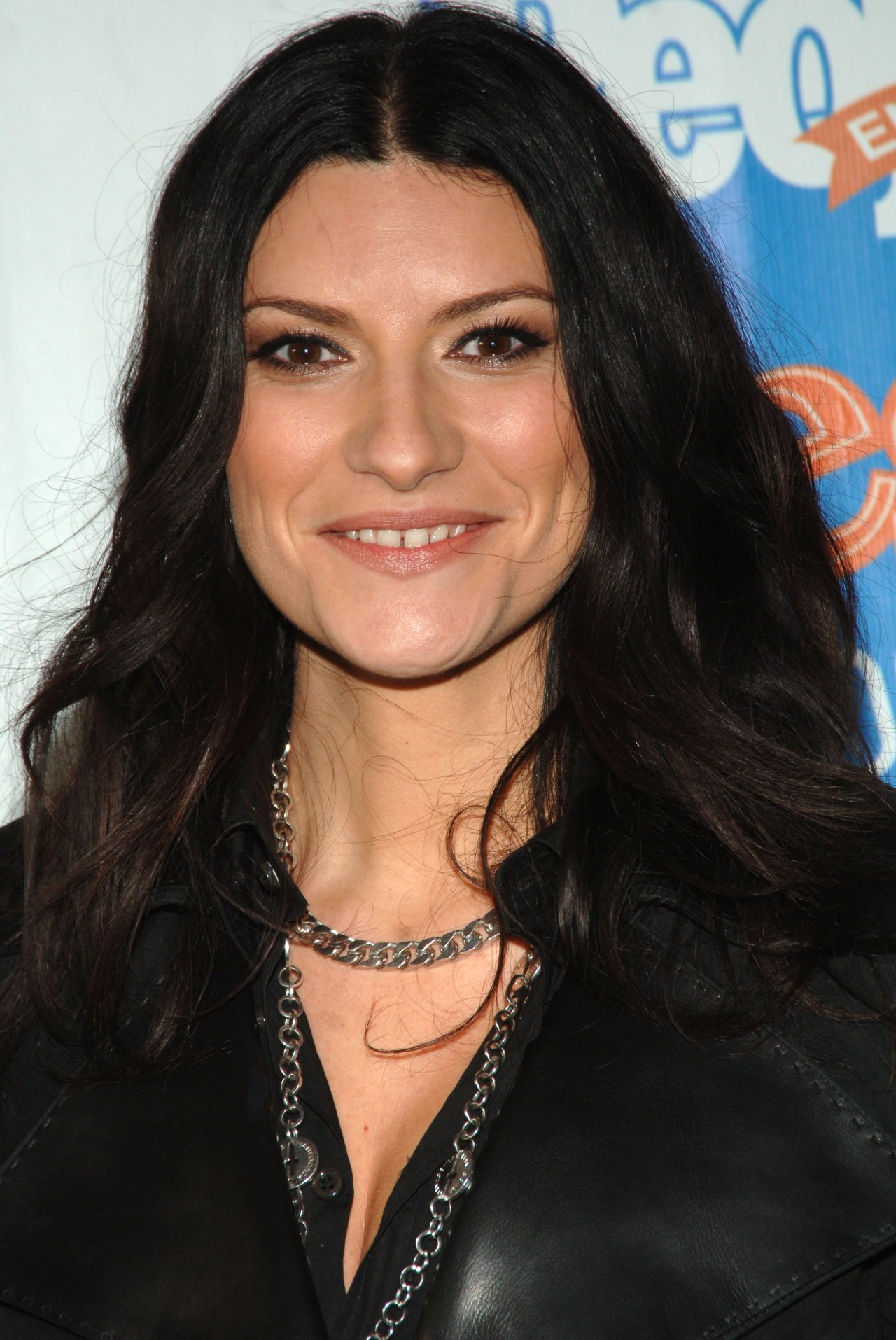 Laura Pausini leaked wallpapers