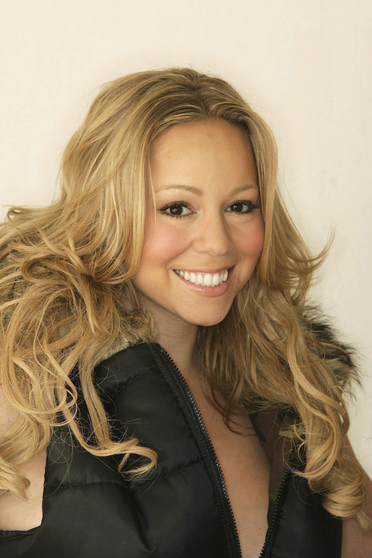 Mariah Carey leaked wallpapers