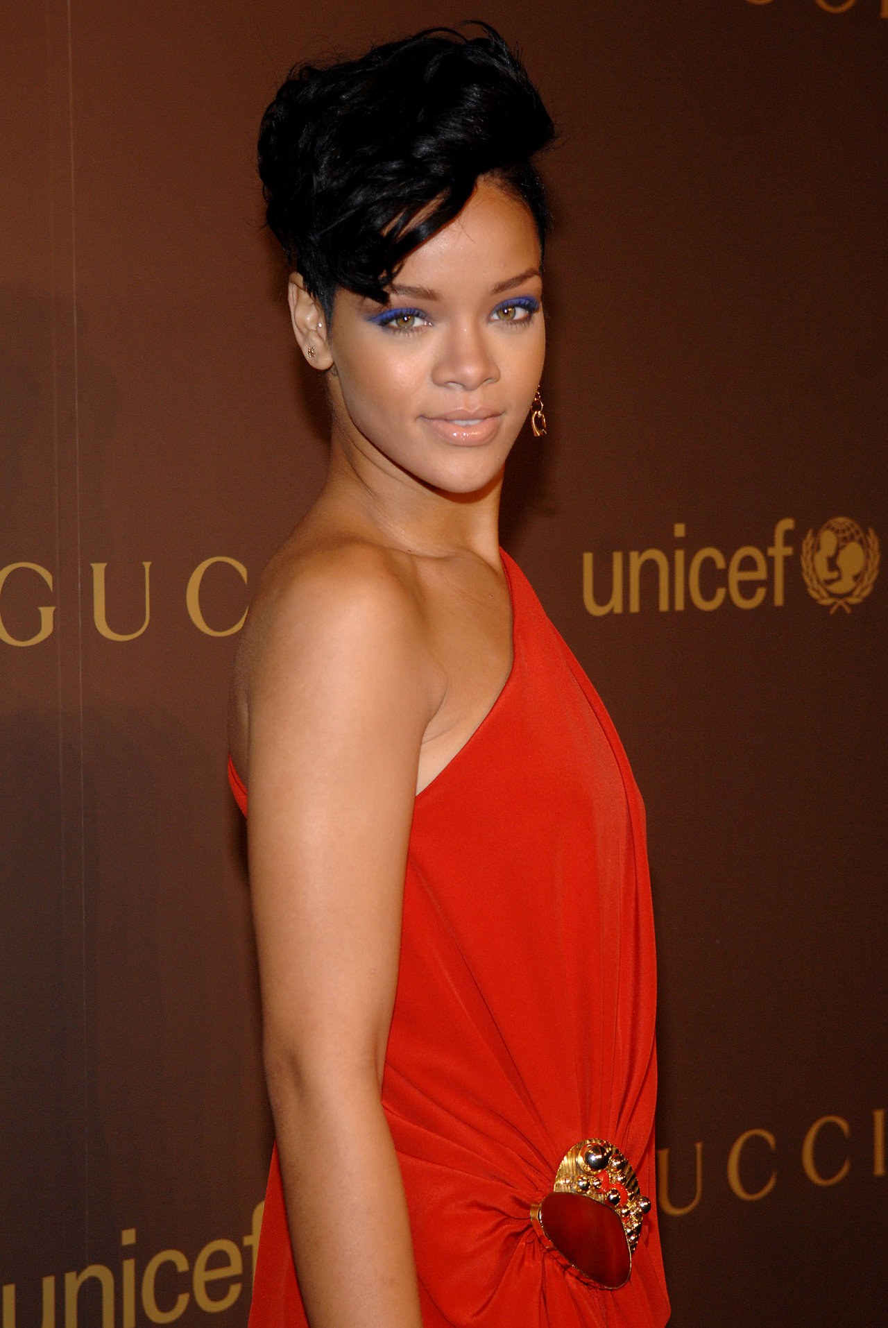 Rihanna leaked wallpapers