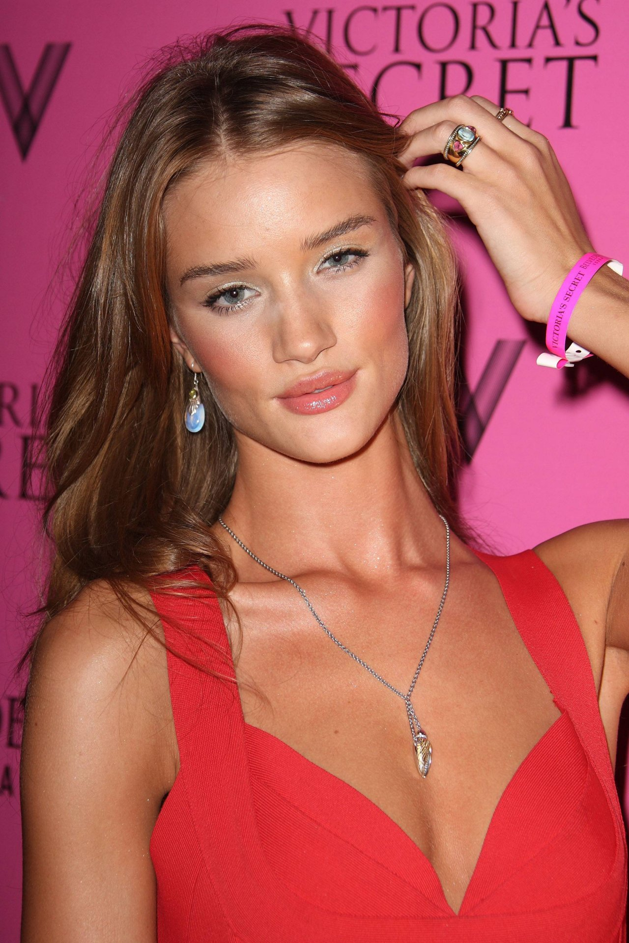 Rosie Huntington-Whiteley leaked wallpapers
