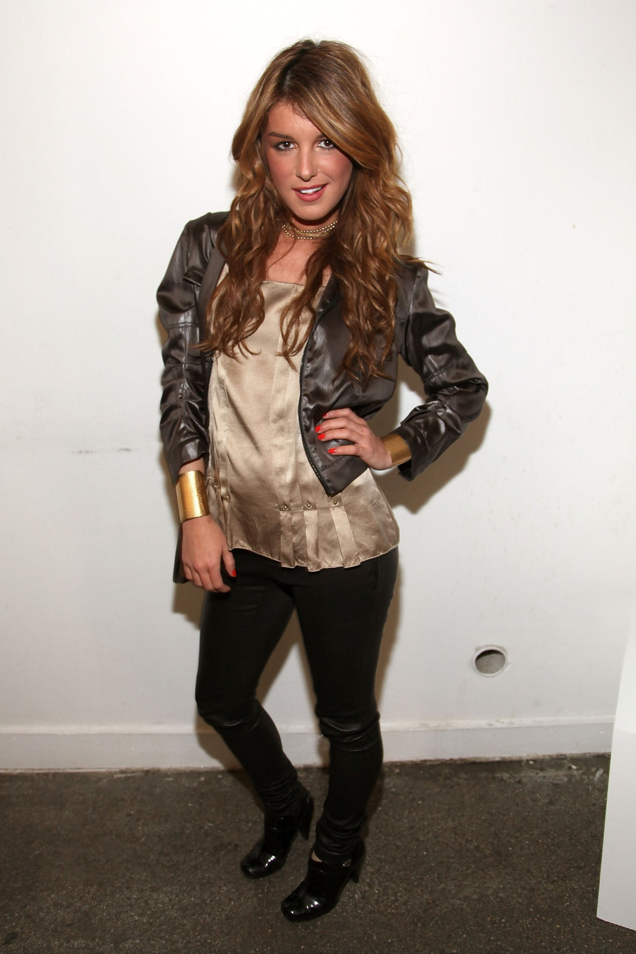 Shenae Grimes leaked wallpapers